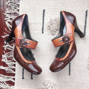 Linea Paolo Brown Leather Button Heeled Pumps 8.5